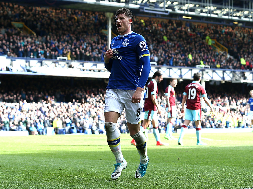 Chelsea holt Englands Teamspieler Ross Barkley