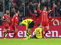 Thomas Müller (r.) traf zum zwischenzeitlichen 2:0 für den FC Bayern