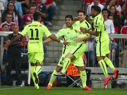 Neymar, Luis Suárez, Lionel Messi und Dani Alves (v.l.n.r.) fahren zur Copa América