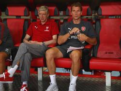 Jens Lehmann (r.) arbeitet in London an der Seite von Arsène Wenger