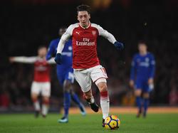 Mesut Özil könnte seinen Vertrag bei Arsenal verlängern