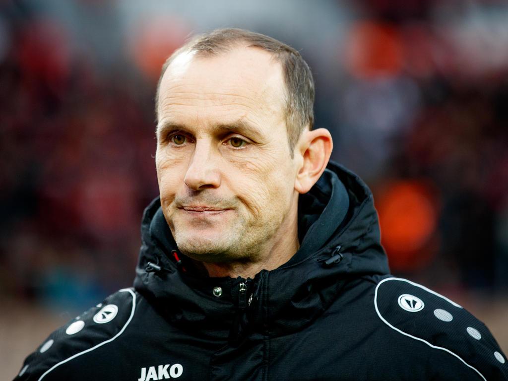 Heiko Herrlich wird zum Rückrundenauftakt auf der Leverkusener Bank sitzen